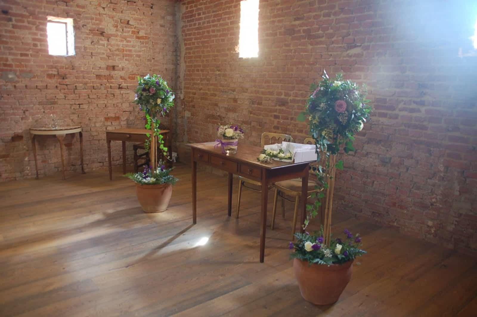 Reception Desk with standard floral display