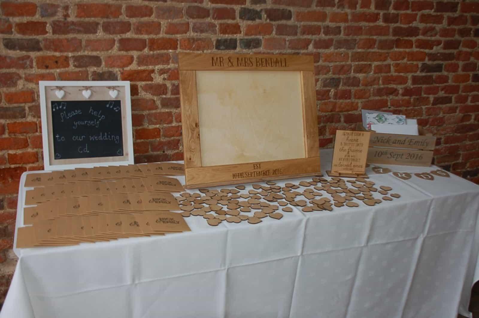 Wooden wedding accessories